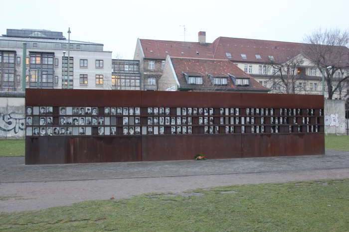 154-memorial-to-the-victims-of-the-berlin-wall