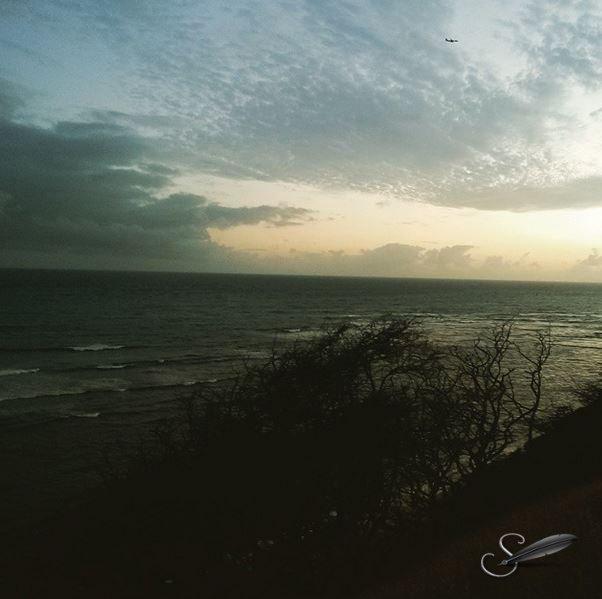 PacificOceanbacksideofDiamondHeadOahuB_ST
